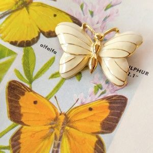 VINTAGE Enameled Trifari Gold Butterfly Brooch-Pin